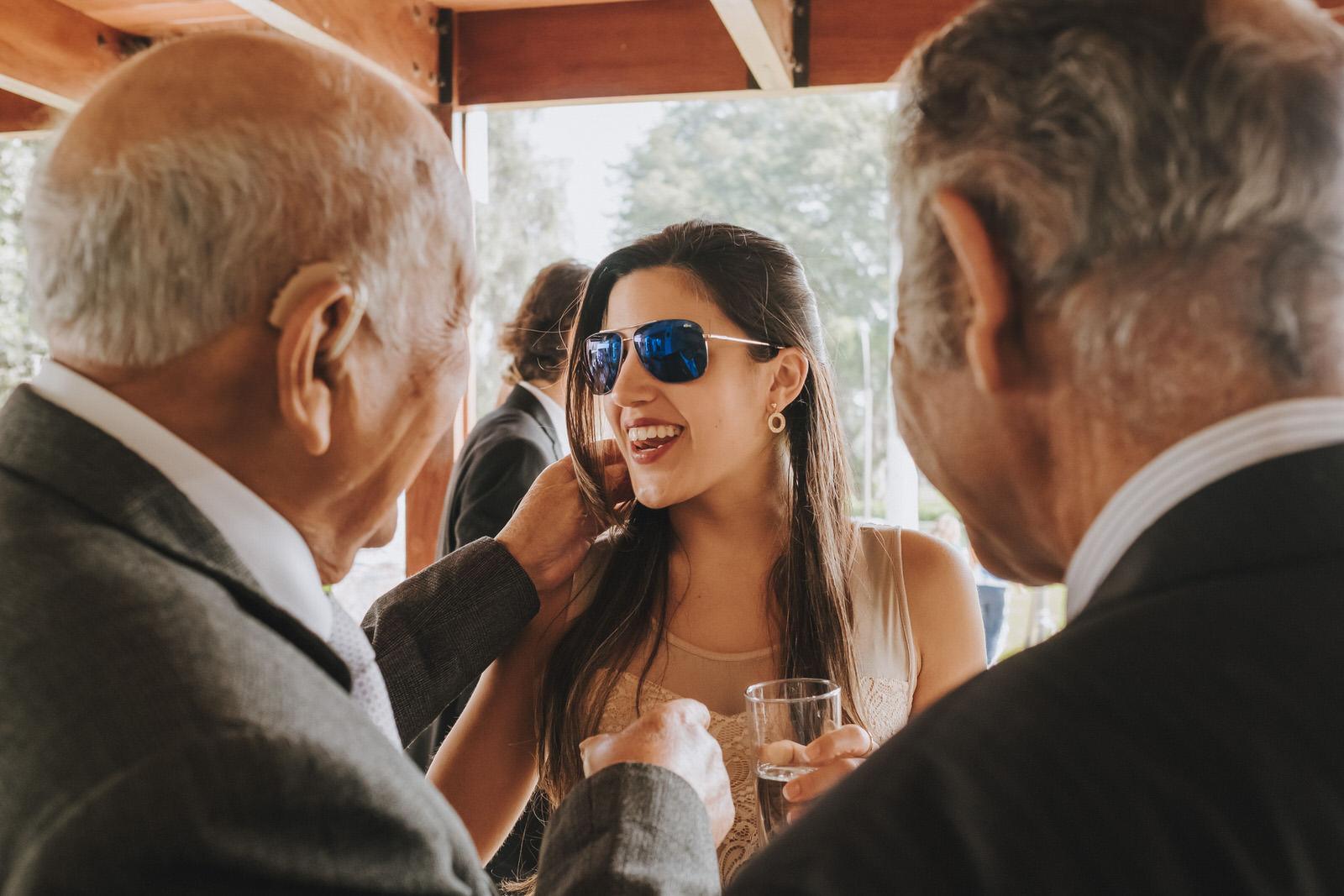 novia con familiares en el coctel la molina