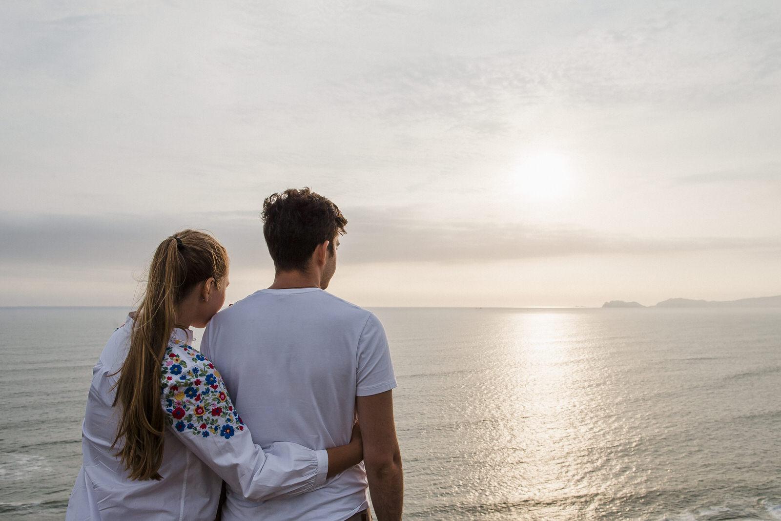 Xeniya & Bogdan cerca al mar